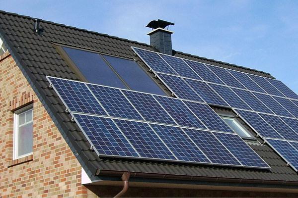 Solaranlage von PETER KRON Haustechnik in Hamburg